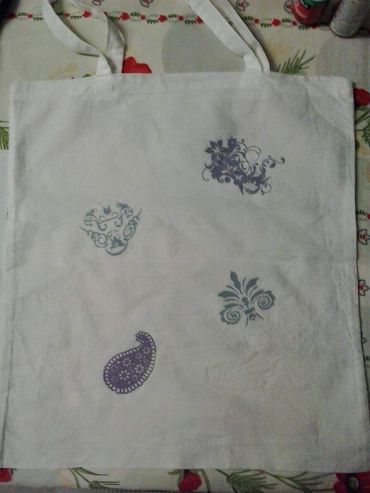 Sciarpe lane e dintorni borse e cuscini dipinti con gli for Cuscini dipinti