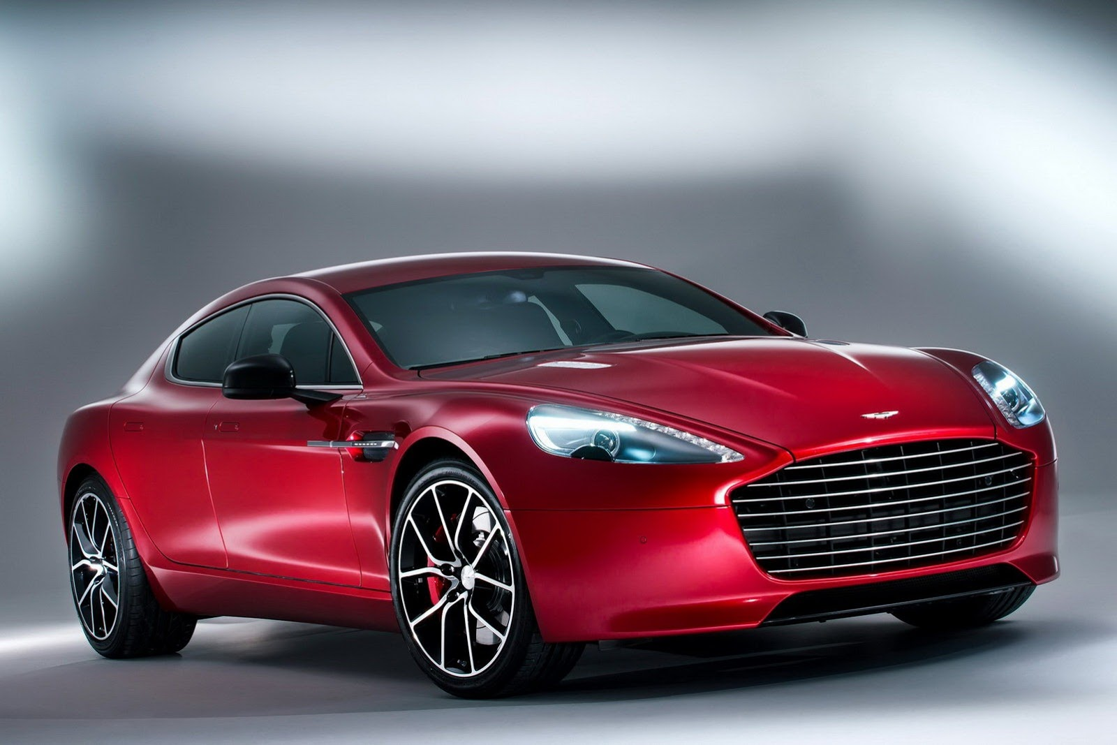 aston martin rapide s autooonline magazine. Black Bedroom Furniture Sets. Home Design Ideas