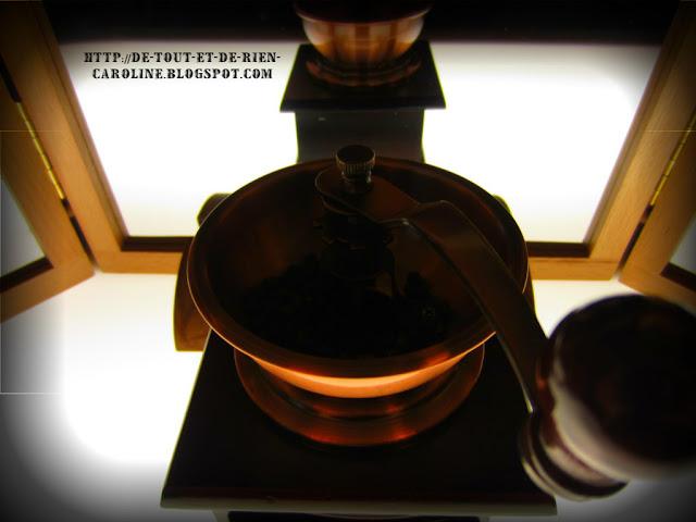 de tout et de rien activit s pour le pr scolaire moudre du poivre comme activit sensorimotrice. Black Bedroom Furniture Sets. Home Design Ideas