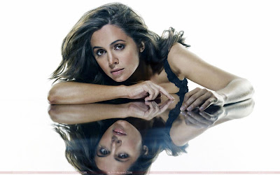 Eliza Dushku Beautiful Wallpaper