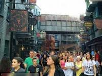 Baru Dibuka, Pengunjung Wahana Harry Potter Antre Tujuh Jam