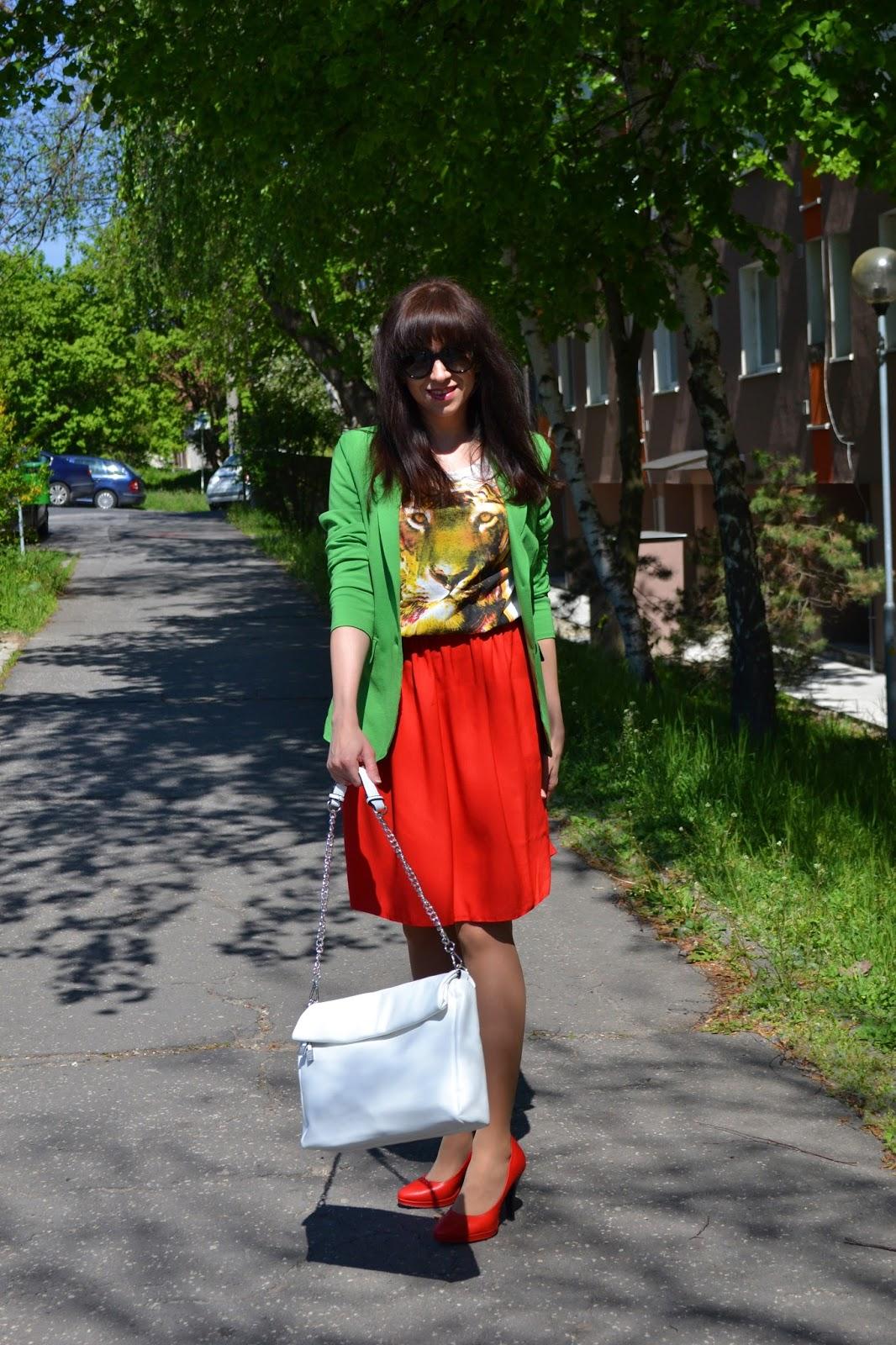 My cute tiger_Katharine - fashion is beautiful_Červené lodičky_Červená sukňa_Animal print_Katarína Jakubčová_Fashion blogger