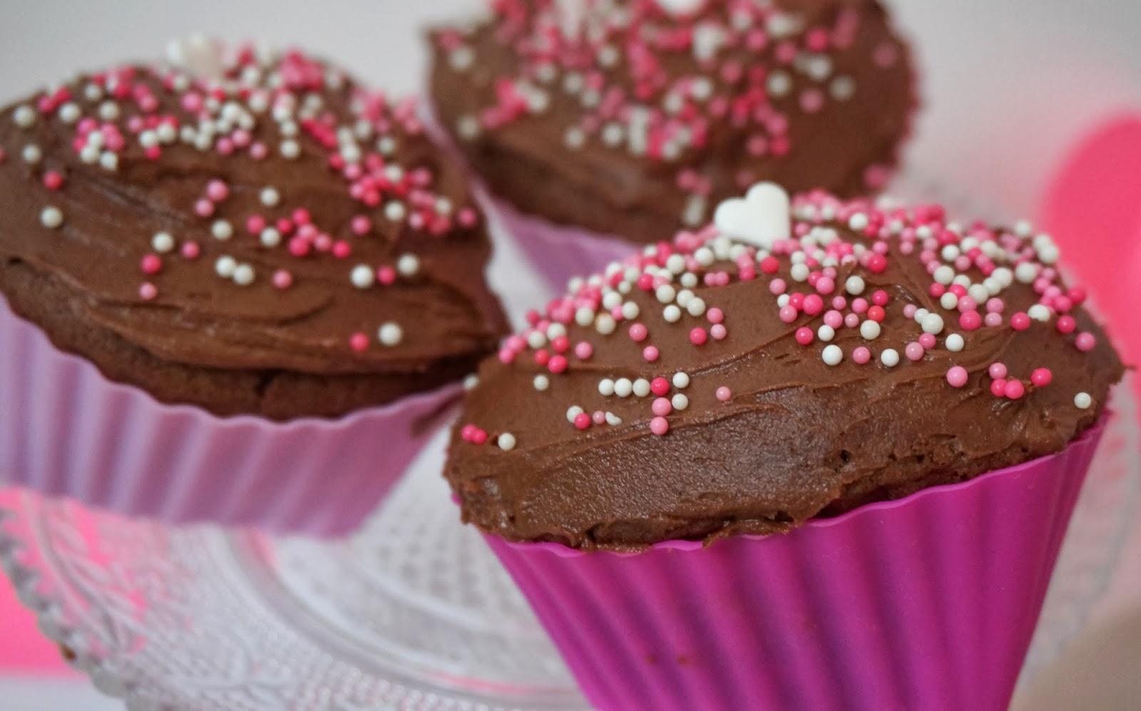 Valentinstag Cupcakes in Herzform Valentines Day Geschenkidee