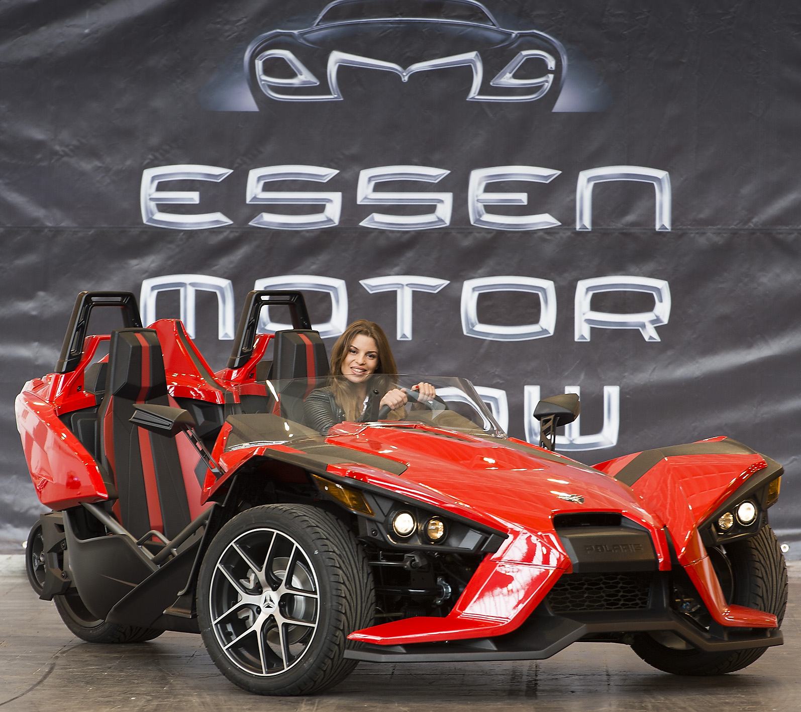 Since today over 500 exhibitors have been presenting concentrated automobile passion at messe essen amongst others automobile manufacturers such as