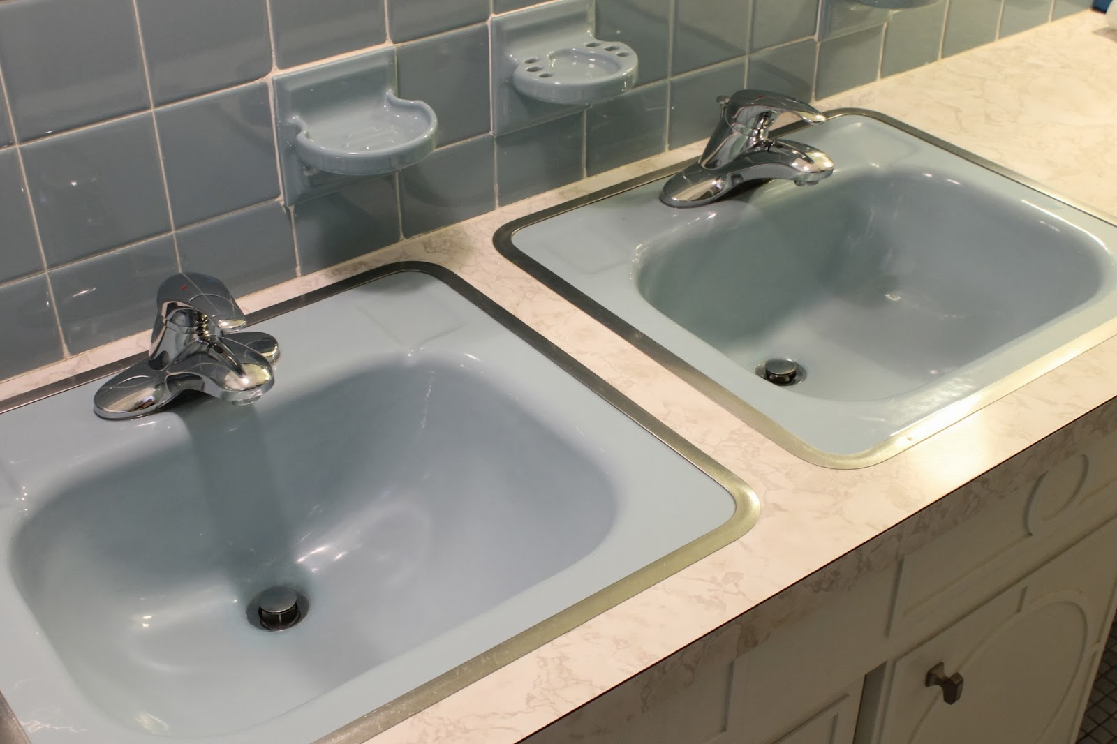 GORGEOUS SHINY THINGS: How to Repair a Porcelain Sink