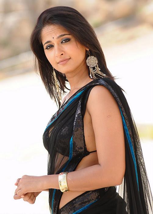Anushka Shetty Hot Saree