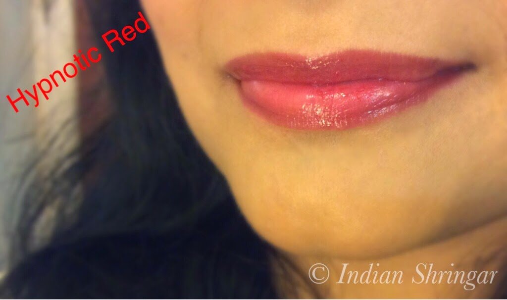 L'Oreal Rouge Caresse Hypnotic Red lip swatch
