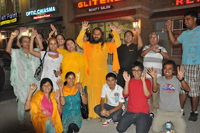 Swamiji greeted by the devotees of Kripaluji Maharaj in Canada