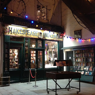 shakespeare and company english bookstore paris