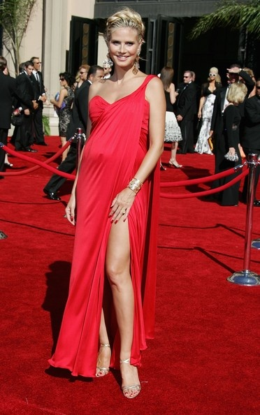 celebrity in red maternity evening dresses