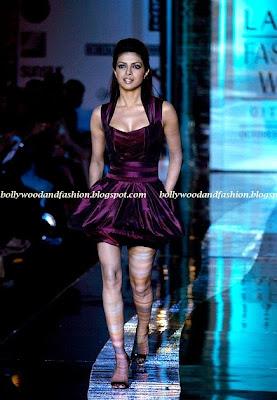 Priyanka Chopra - sexy nude legs
