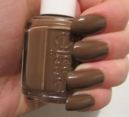 http://lacknroll-nails.blogspot.de/2014/12/lacke-in-farbe-und-taupe.html