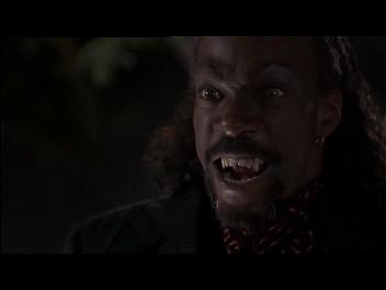 Un vampiro suelto en Brooklyn/ Vampire in Brooklyn - Wes Craven (1995) Vlcsnap-2012-09-08-01h17m46s121