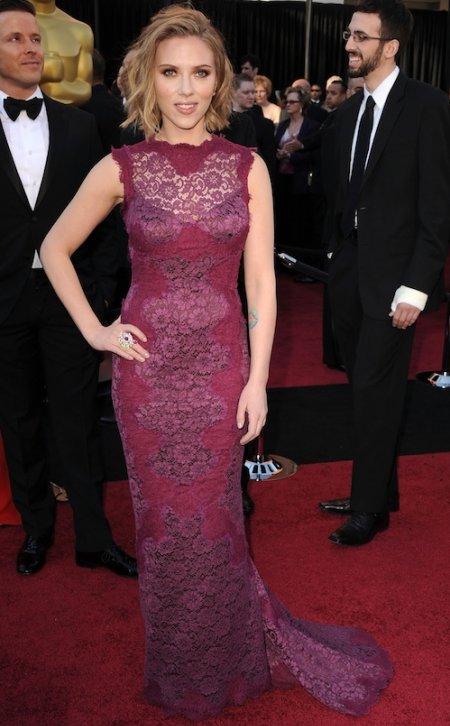 scarlett johansson dresses 2011. Scarlett Johansson