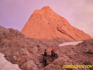 Guiasdelpicu.com escaladas guiadas al Naranjo de Bulnes