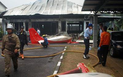 Pesawat terhempas di Bandung