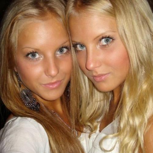 http://www.flirttime.nl/foto/Twinies/001
