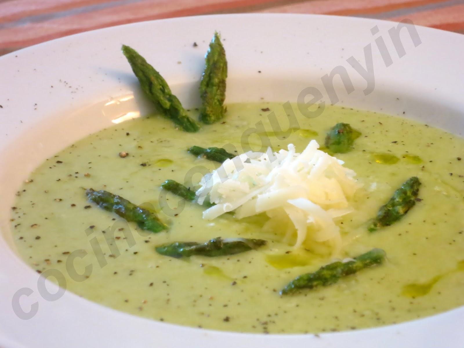 Cocina con quenyin crema de esp rragos verdes con queso - Comidas con esparragos ...
