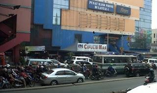 Pasar Grosir Cipulir Jakarta Pesaing Tanah Abang