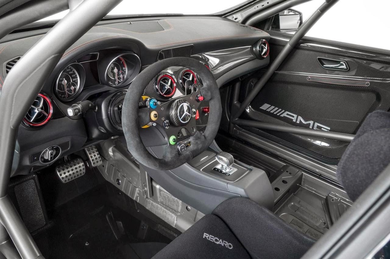 MercedesBenz CLA45 AMG Racer and CLA250 Sport CLAClass Gets