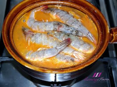 cooking tamarind prawn peranakan cuisine