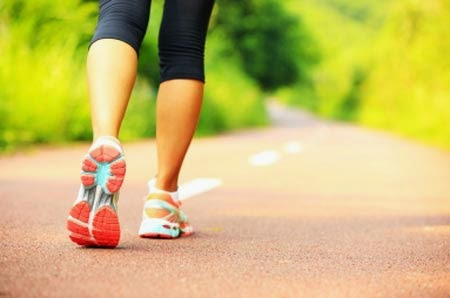 Olahraga Menurunkan Risiko Terkena Penyakit Osteoporosis Jalan