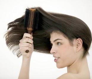 beaut cheveux visage comment brosser les cheveux sans les casser. Black Bedroom Furniture Sets. Home Design Ideas