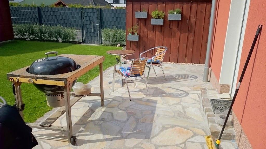 heikes dennis 39 bautagebuch naturstein terrasse fertig. Black Bedroom Furniture Sets. Home Design Ideas