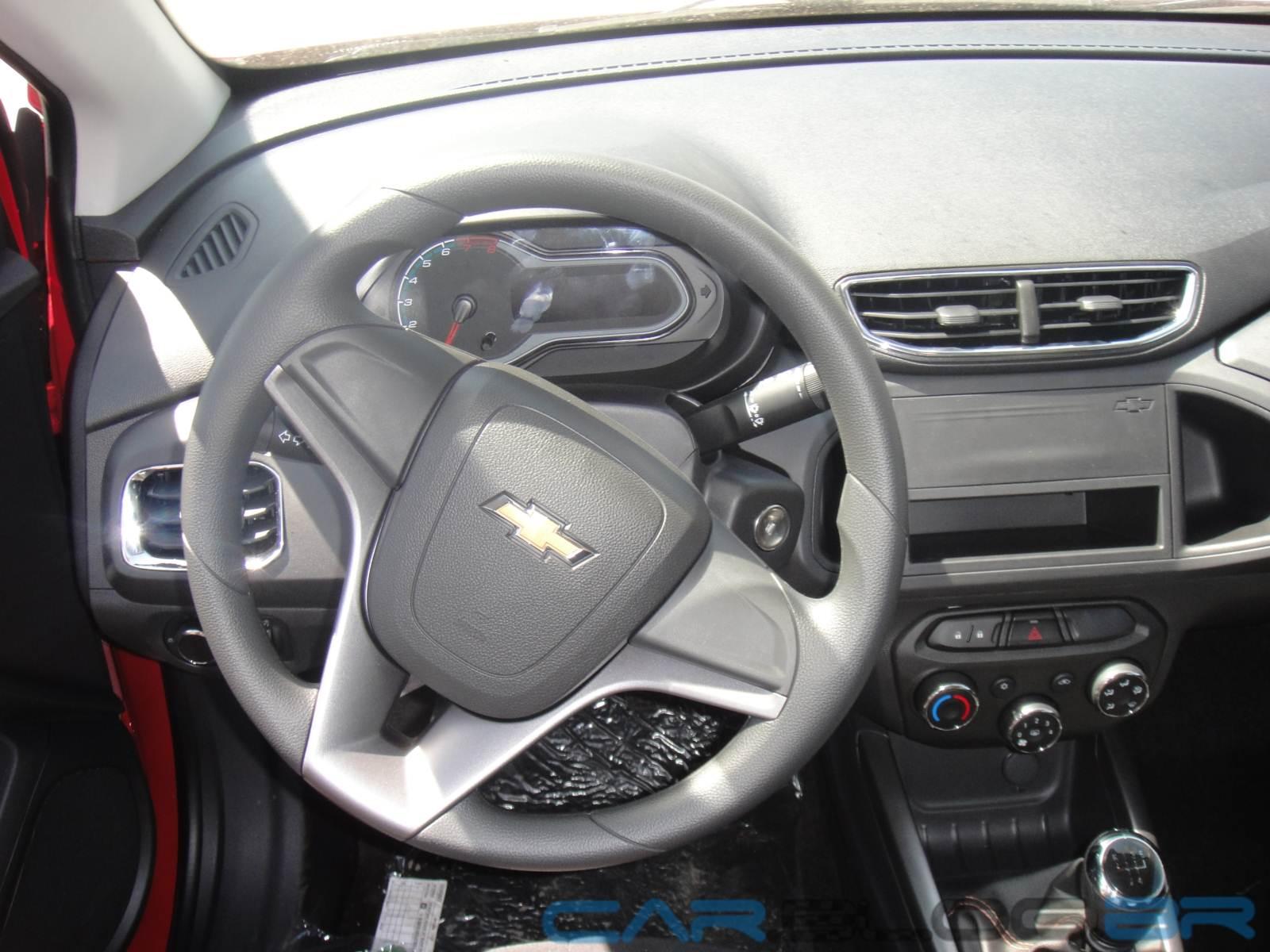 Chevrolet onix lt 1 0 e 1 4 fotos do carro sem o mylink car blog br - Foto foto interior ...
