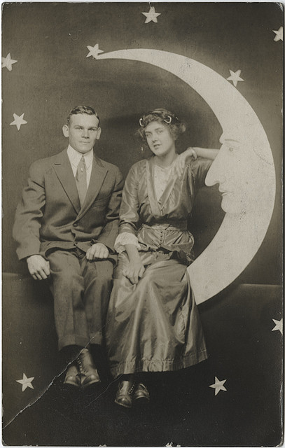 paper moon vintage Amazoncom : papermoon photobooth - vintage photography - 40-trading cards book : everything else.