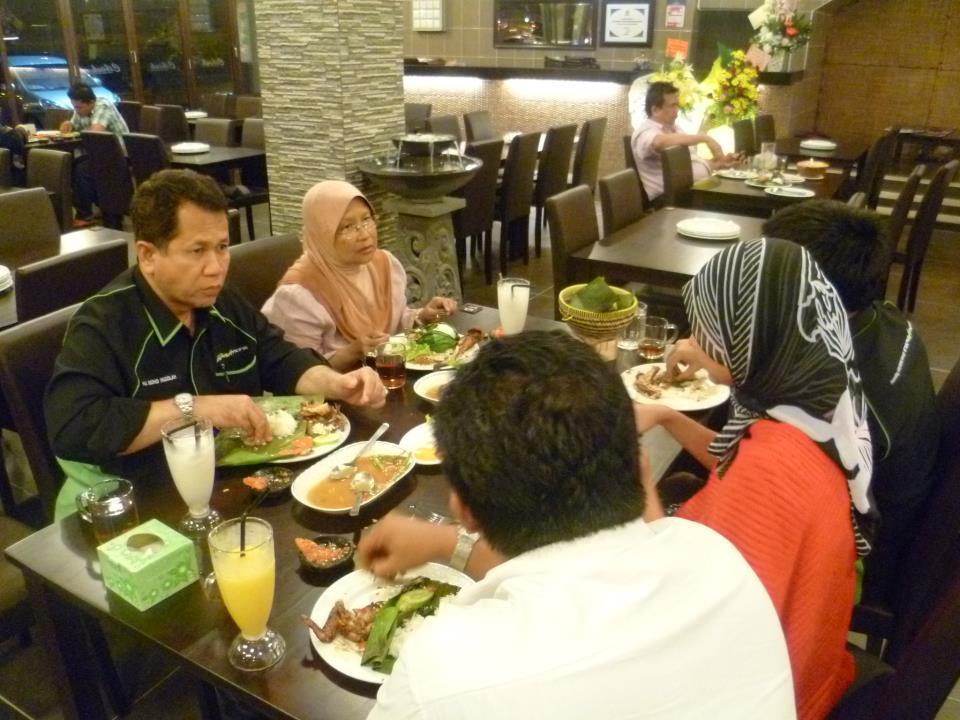 Rumah Makan Cibiuk Malaysia: Kunjungan Dato' Dr. Haji Mohd ...