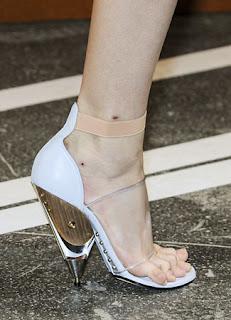 gambar sepatu wanita 2013