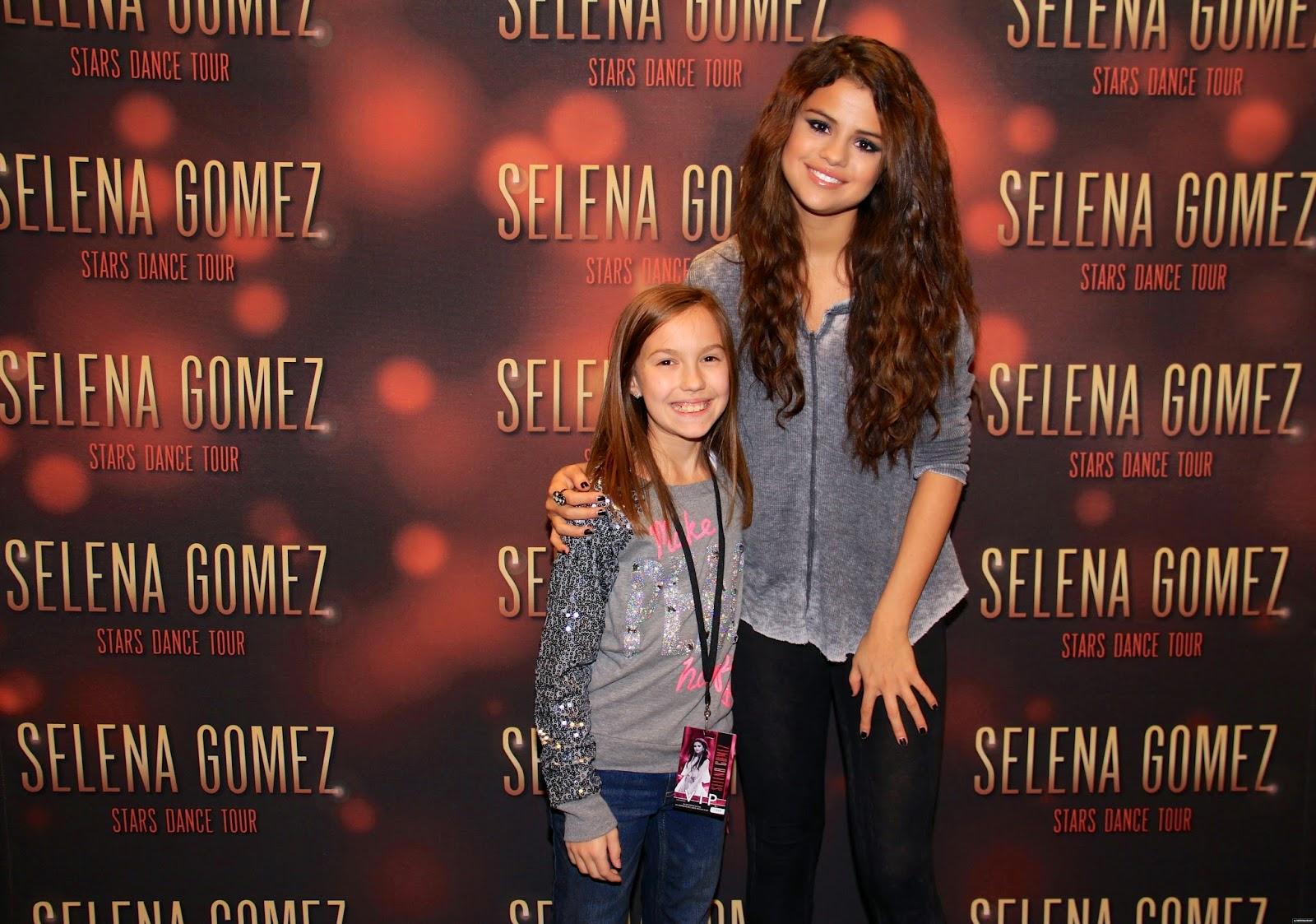Selena gomez style january 2015 stars dance world tour meet greet columbus ohio nov 23 2013 kristyandbryce Choice Image
