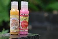Bermanfaat untuk mengangkat kulit yang mati. Terdiri dari 2 varian : Passion Fruit dan Strawberry.