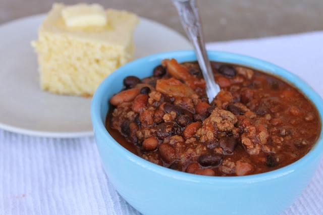 sweet chili, chili recipe, best chili ever recipe, cornbread and chili