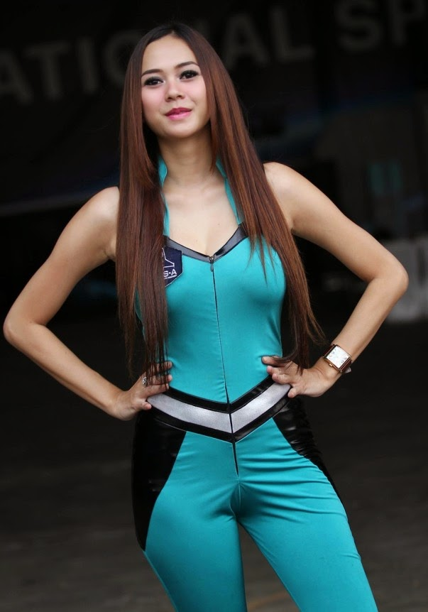 enjoy photos aura kasih axe model