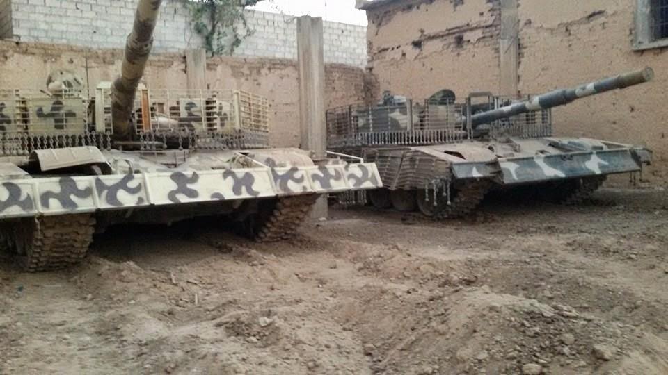 الوحش الفولاذي لدى قوات الجيش السوري .......الدبابه T-72  10421222_1483747501885775_5146489437157286577_n