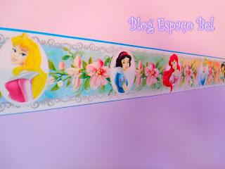 Aplicamos uma faixa com o tema Princesas da Disney