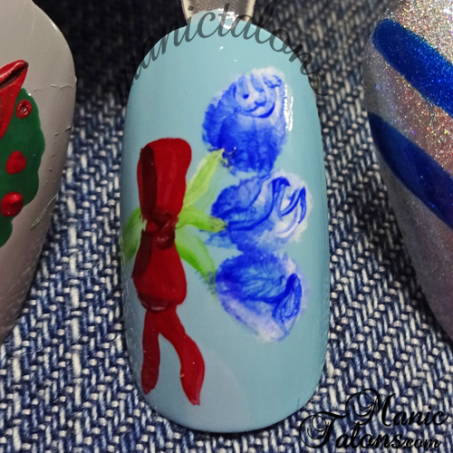 Simple Blue Rose Buds Nail Art