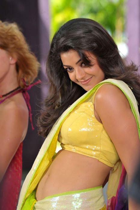 kajal agarwal test saree in business man