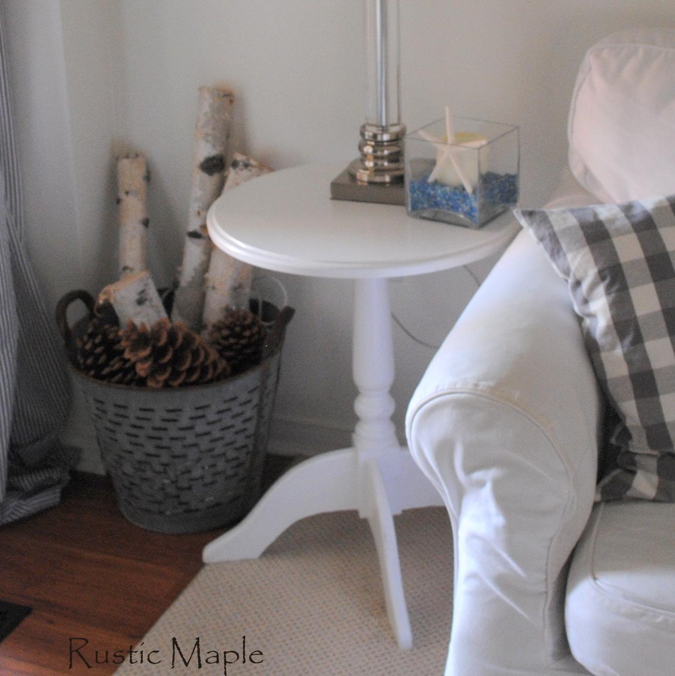 GF Snow White Round Pedestal End Table