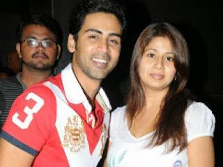 Ladaya between acterss Sageetha and her husband