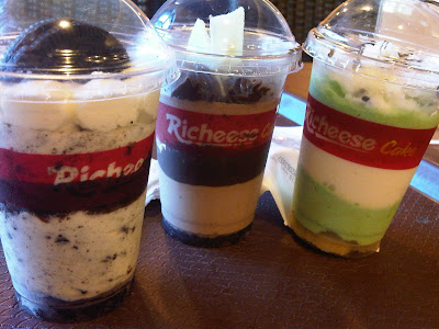 Info+Kuliner+Bandung+Lengkap+Ceritaperut+Tiramisu+Richeese+Factory+Paris+Van+Java Menggila melahap Rich Chocolate, Green Tea and Cookies and Cream.. semuanyaa mix with cheese :D :D