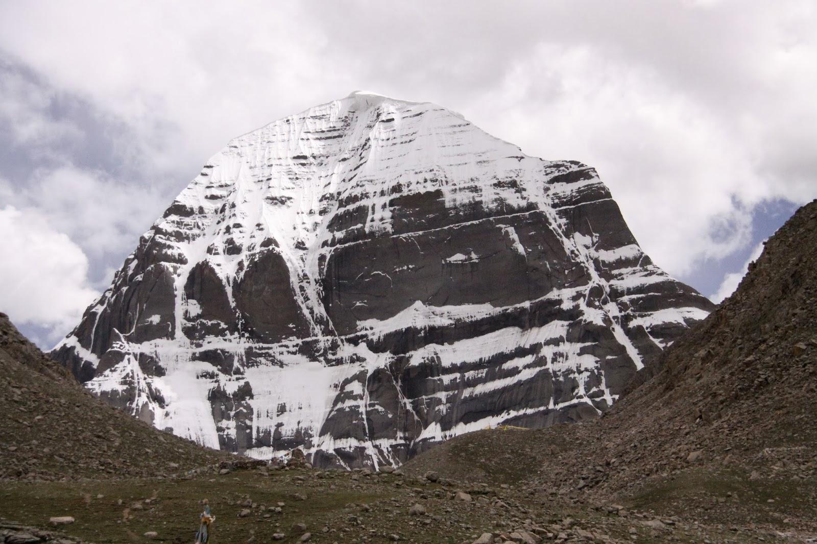 Il tetto del mondo il kailash e il saga dawa for Piani mensili in montagna