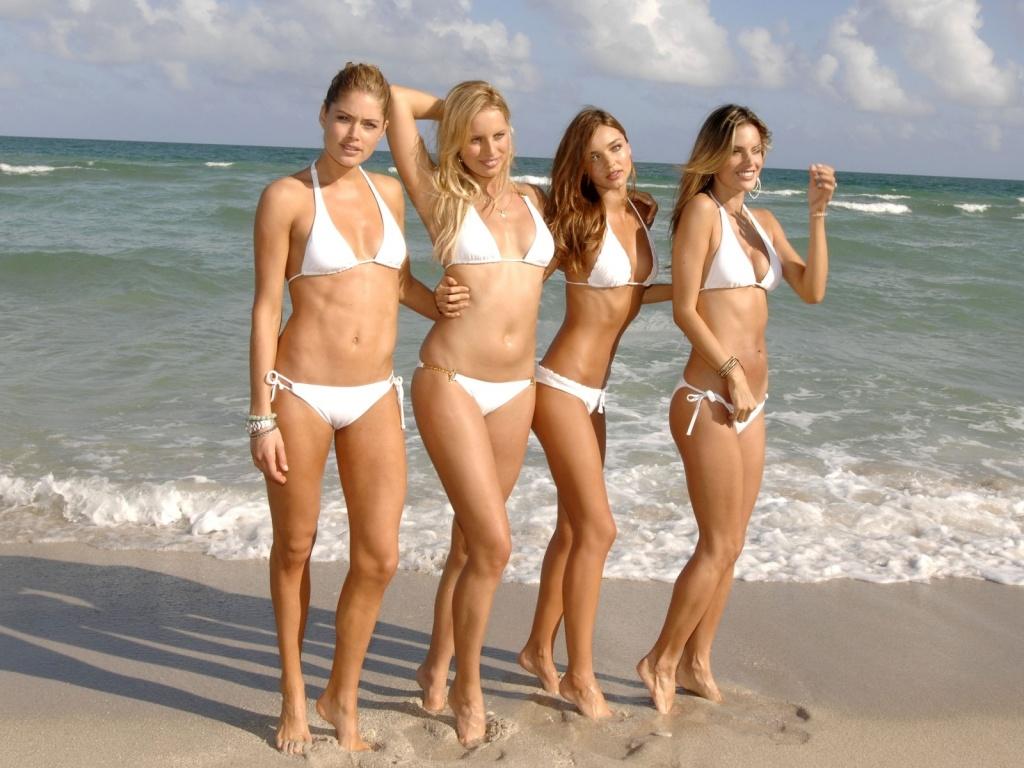 http://4.bp.blogspot.com/-ONDCXM2kx0s/TvHWhEeETsI/AAAAAAAAAMo/kxwkPEBlyzw/s1600/wows+on+beach+wallpaper.jpg