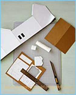 Как вырезать новогодний домик из картона