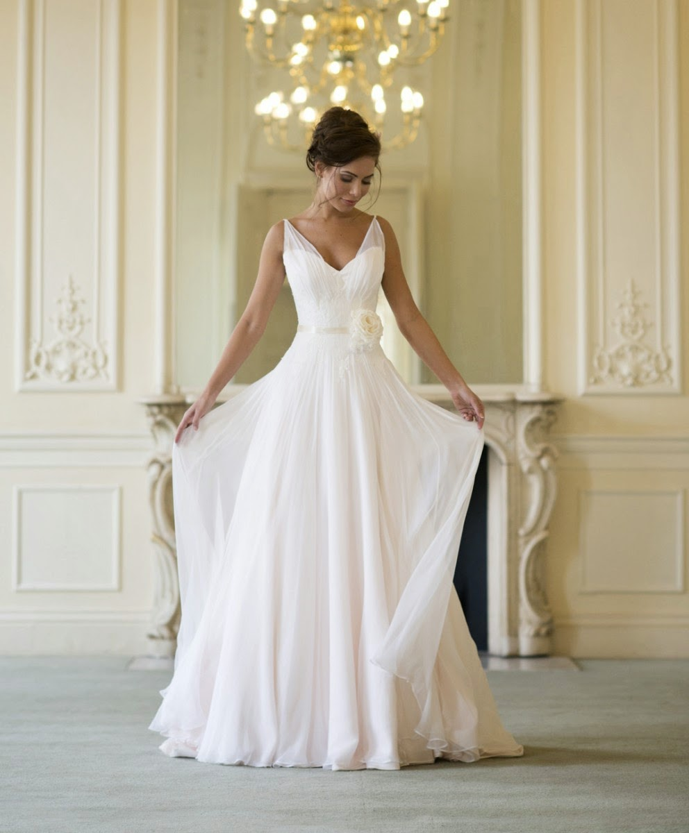 Dainty Bride: The Wedding Dress