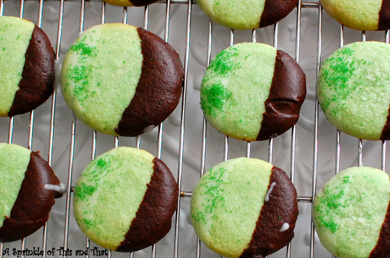 A Sprinkle of This and That: Double Dipped Mint Shortbread Cookies