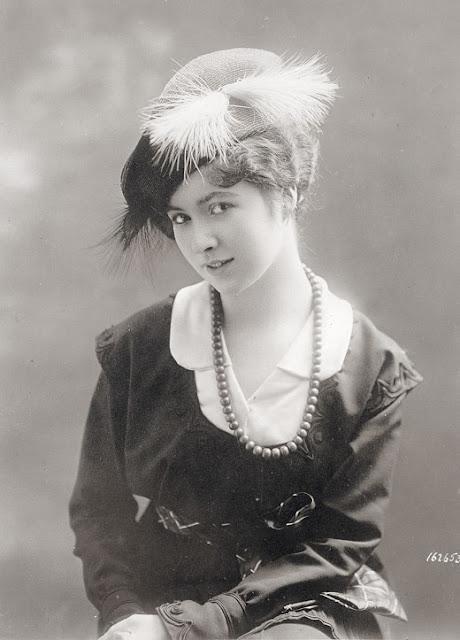 women s hats 1913 1915 vintage everyday. Black Bedroom Furniture Sets. Home Design Ideas