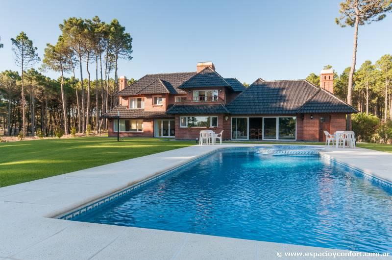 Ideas de sobra menuda casa for Fotos de piscinas hermosas